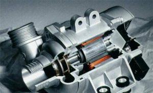 La pompa dell'acqua elettronica di BMW ha così tanti vantaggi e può risparmiare carburante