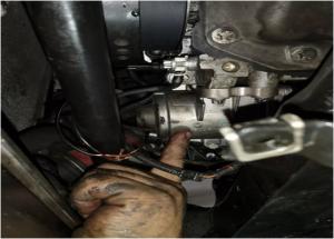 Metodo di sostituzione della pompa dell'acqua elettrica BMW